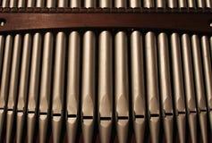 Un détail des tuyaux d'organe d'église photos stock