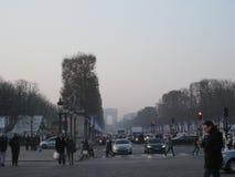 Un día ocupado en los lysées del ‰ de los campeones-Ã, París imágenes de archivo libres de regalías