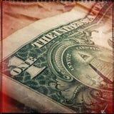 Un dólar de papel en un fondo de la cartulina Bandera del Web imágenes de archivo libres de regalías