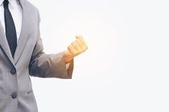 Un demi corps d'homme d'affaires si heureux pour son but de succès Image libre de droits