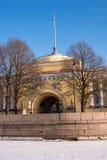 Un des bâtiments de l'Amirauté principal à St Petersburg Images libres de droits