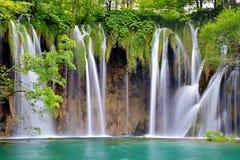 Un des endroits les plus beaux au monde Plitvice - Croatie Photo stock