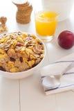 Un desayuno variado por la mañana Imagenes de archivo
