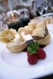 Un dessert dei due cigni Immagine Stock Libera da Diritti
