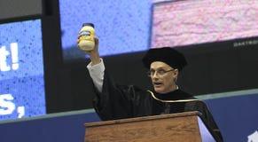 Un destinatario onorario di grado di laurea che parla a NAU Fotografie Stock Libere da Diritti