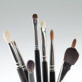 Un detalle de un conjunto de cepillo del maquillaje Imagenes de archivo