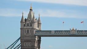 Un dettaglio della torre del ponte della torre di Londra archivi video