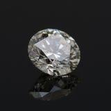 Un diamante redondo del quilate. imagenes de archivo
