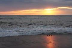 Un dicline sur la mer photographie stock libre de droits