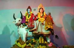 Un dieu indou Shiva et Durga dans un pandal pendant la célébration de festival de Dussera Photographie stock
