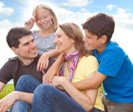 un divertimento delle 4 famiglie Immagine Stock