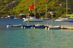 Un dock de canot dans les îles au vent Image stock