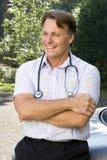 Un docteur de sourire heureux Photo libre de droits