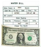 Un dollar USA et facture d'eau. D'isolement. Concept. images stock