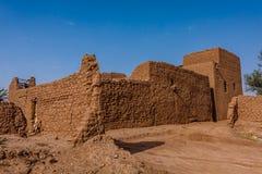 Un domicilio árabe tradicional con una yarda cerrada, provincia de Riad, la Arabia Saudita imagen de archivo