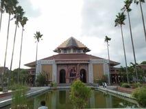 Un edificio donde la adoración es llevada a cabo por los musulmanes foto de archivo libre de regalías