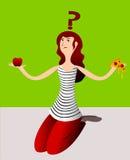 Un ejemplo divertido de una chica joven que muestra una manzana y una rebanada de pizza que piensan en si comer saludablemente o  Fotos de archivo libres de regalías