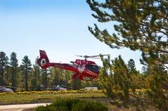 Un elicottero supera il parco nazionale di Grand Canyon in Arizona è magnifico Fotografia Stock Libera da Diritti