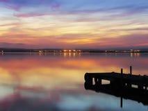 Un embarcadero en medio de la noche Imagen de archivo
