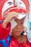 Un enfant non identifié a vieilli 7 ans d'usage de costumes de fantôme Photographie stock libre de droits