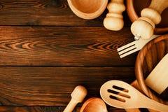 Un ensemble d'ustensiles de cuisine Images stock
