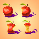 Un ensemble de basses poly pommes graduellement mangées Images stock
