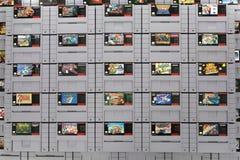 Un ensemble de cartouches classiques de Nintendo SNES Photo stock