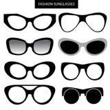 Un ensemble de lunettes de soleil et de cadres de mode Cat Eye Photo stock