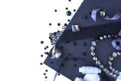 Un ensemble de matériaux pour la couture dans la couleur grise Photographie stock libre de droits