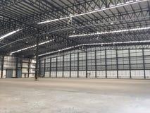 Un entrepôt est un bâtiment commercial pour le stockage des marchandises Image stock