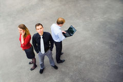 Un equipo del negocio en la calle Imagen de archivo libre de regalías