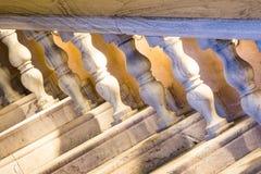 Un escalier de marbre blanc Images libres de droits