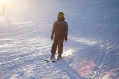 Un esquí del hombre en una estación de esquí Foto de archivo libre de regalías