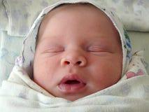 Un'età neonata di sonno di 5 giorni Immagini Stock