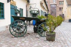 Un extérieur debout de vieux chariot de cheval Photo libre de droits