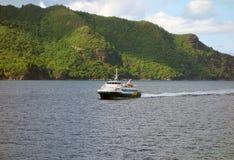 Un ferry rapide dans les grenadines Images libres de droits