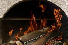 Un feu gentil dans un endroit du feu photo stock