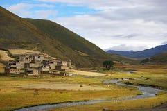 Un fleuve dans Kangding Photographie stock libre de droits