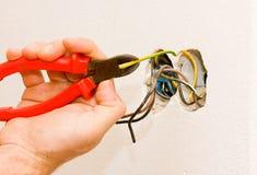 Un fonctionnement d'électricien Photo stock