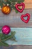 Un fond de Noël en bois coloré ou de nouvelle année avec un cadre Photos stock