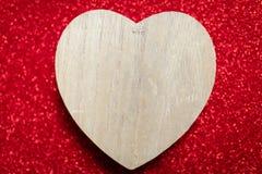 Un fond rouge de scintillement, fausse pierre, cadeau de jour du ` s de Valentine pour Photographie stock libre de droits