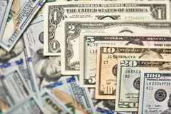Un fondo di 100 banconote in dollari Americano dei soldi cento Bi del dollaro Fotografie Stock Libere da Diritti