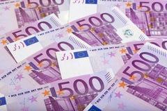 Un fondo di 500 fatture degli euro Immagine Stock