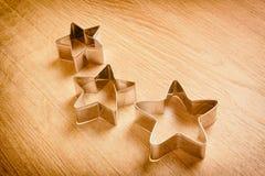 Un fondo di legno con le belle stelle Adatto a decorazione di una festa Immagine Stock