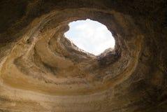 Un foro nella caverna Fotografia Stock