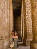 Un fotógrafo en Egipto Fotos de archivo