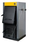Un four résidentiel, les brûlures bois de chauffage ou le charbon et effectue l'air chaud Photos libres de droits