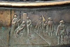 Un fragment d'un bas-relief sur la place de maire de plaza à Madrid Photos libres de droits