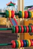 Un frammento di un campo da gioco per bambini immagine stock