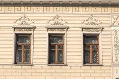 Un frammento di una facciata di vecchia costruzione Fotografia Stock